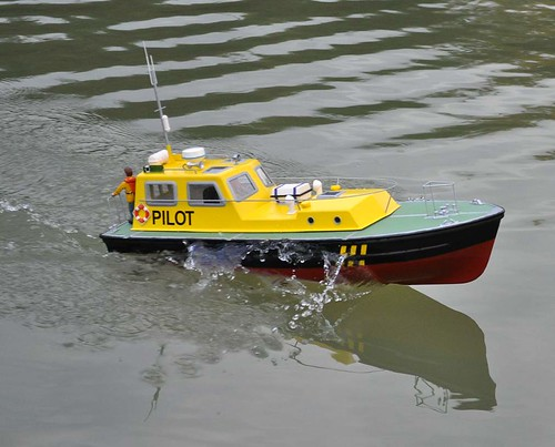 Pilot Boat at speed