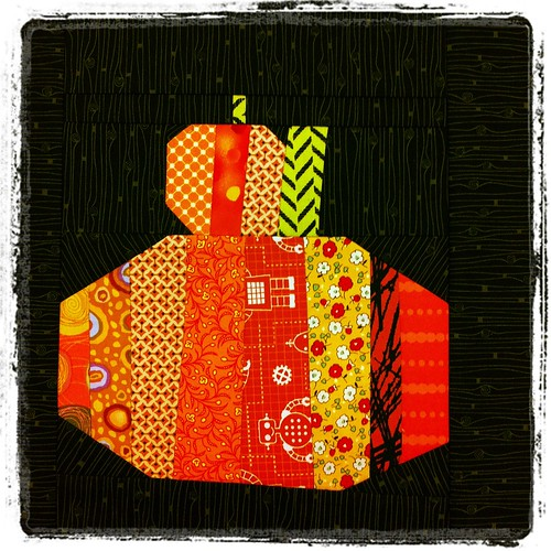 free pieced pumpkin block by Poppyprint