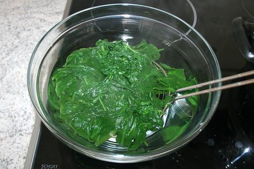 16 - Spinat abschrecken / Refresh spinach