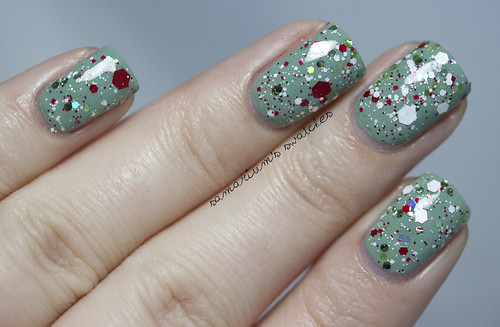 Jindie Nails Elfing Around (13)