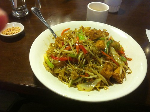 Vegetarian Pad Thai by raise my voice