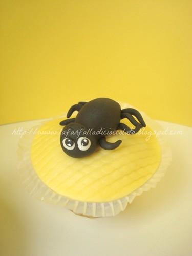 Halloween cupcake 4