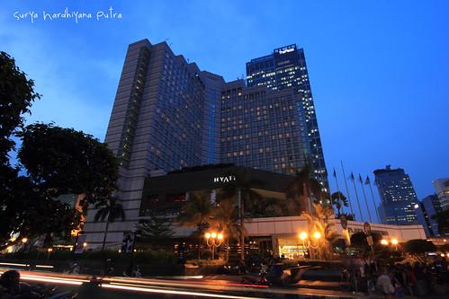 Hotel Hyatt Bundaran HI saat senja