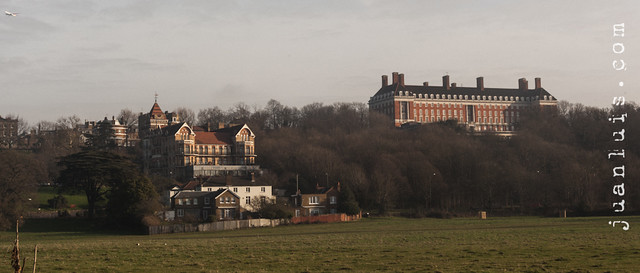 Stately Homes along The Thames