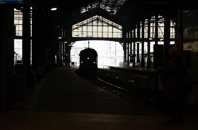 Arrivée du train en gare Saint-Lazare