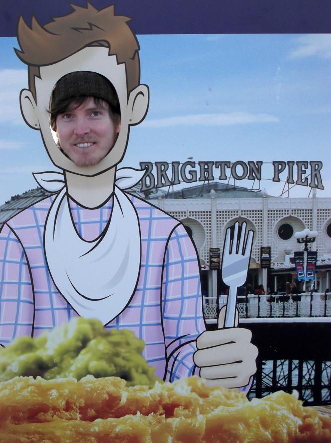 jam_eating_pier