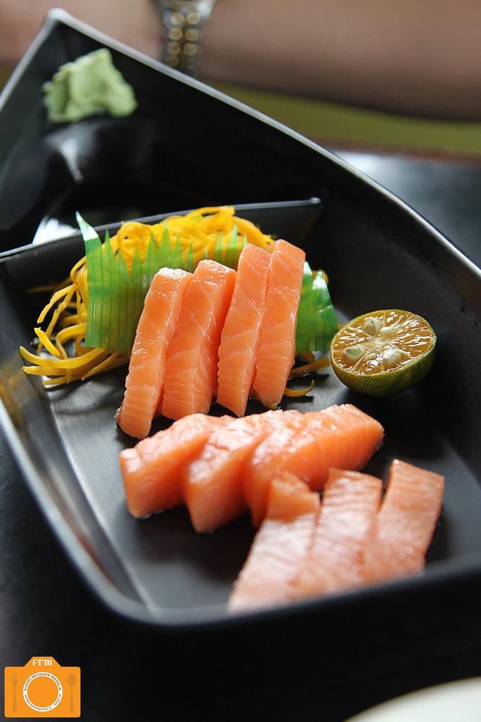 Suzu Kin Salmon Sashimi