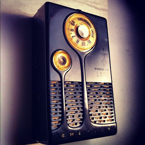 Emerson 888 Vanguard - 1958 transistor radio, grandpa's favorite gadget. #neoretrogizmos