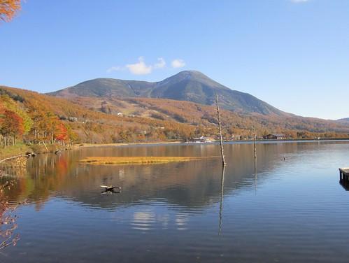 紅葉した女神湖 2012年10月25日15:13 by Poran111