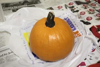 Halloween pumpkin: Step 1