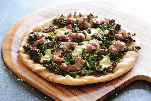 w2 kale & sausage pizza_