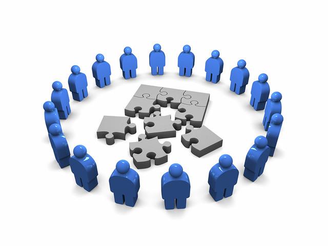 價值觀-生活背景 老闆(背後投資者)/消費者(經濟因素)
