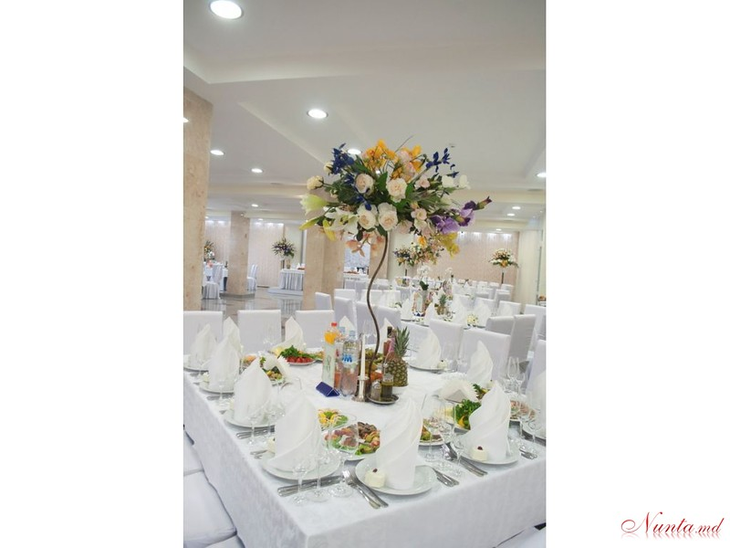 Restaurant & Events Hall PLATINUM > Foto din galeria `Fara titlu`
