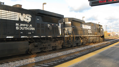 Eastbound Norfolk Southern Railroad freight train.  Elmwood Park Illinois.  Late October 2012. by Eddie from Chicago