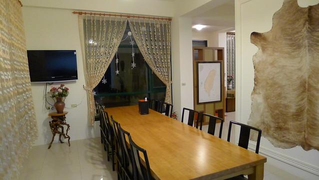 餐廳,有可容納一家人的大餐桌