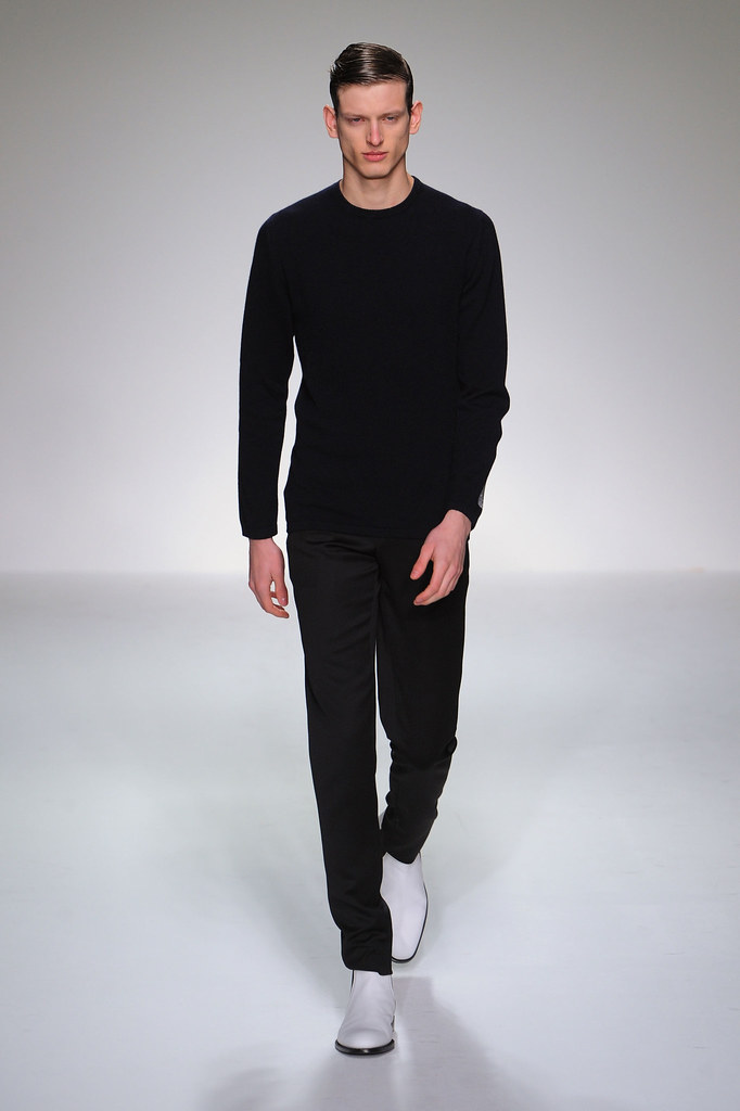 FW13 London Lee Roach011_Stefan Lankreijer(fashionising.com)