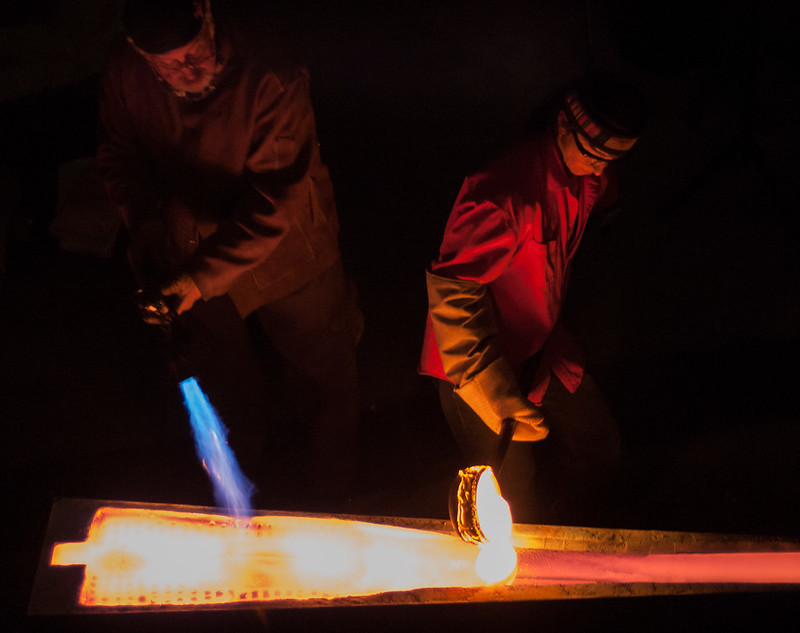 Sandcasting with Bertil Vallien
