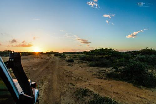 voyage road travel david colors sunrise landscape photography photo colombia photographie desert jeep 4x4 thomas paysage arid aride thomasdavid december2012 thomasdavidphotography thomasdavidphotographie lagarjira