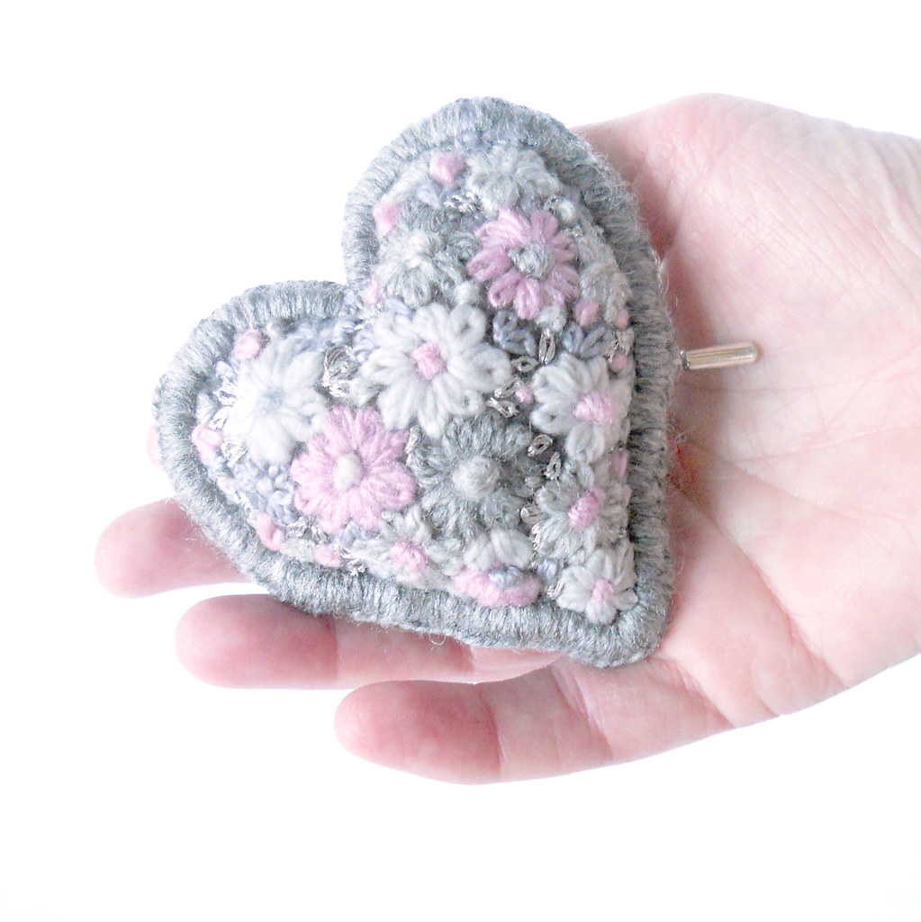 100% wool emboidered brooch