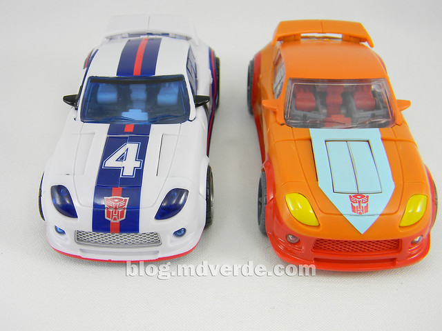 Transformers Wheelie Deluxe - Generations GDO - modo alterno vs Jazz United