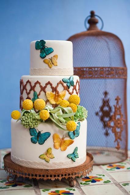 Wedding Cake by Ruffledblog.com