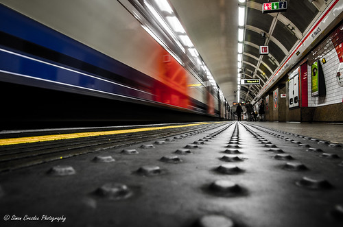 A day in London #11 (Mind the Gap) [EXPLORED]