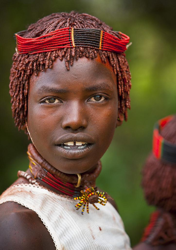 Portrait of Hamar tribe woman, Turmi, Ethiopia | CamelKW