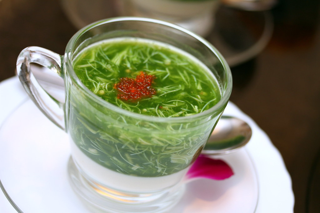 Mouth Restaurant: spinach soup