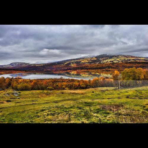 autumn orange mountain lake snow color green fall yellow reflections dovre peak calm capped høst sjø farge hjerkinn 2470mmf28g
