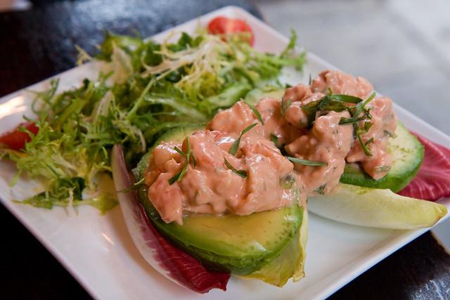 Shrimp and avocado crevettes, Vin et Fleurs