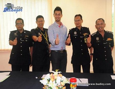Farid Kamil Temuduga Polis Malaysia