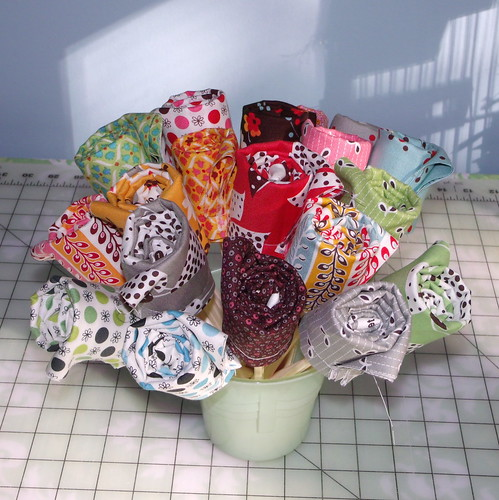 Fat Quarter Bouquet tutorial Done!