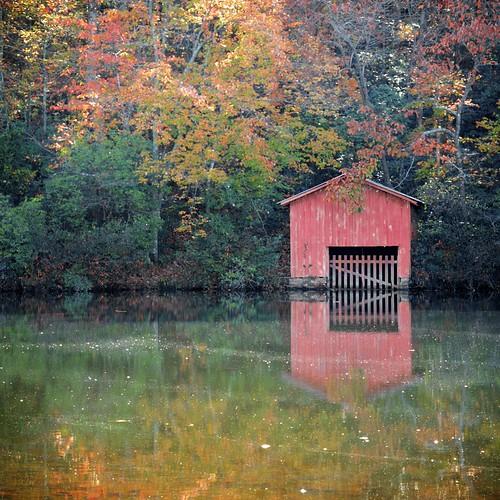 landscape alabama fallfoliage desotostatepark boathouse allrightsreserved mentone napg leemccain alabamastateparks nophotocanbeusedwithoutmywrittenpermission