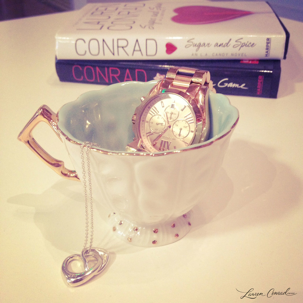 Operation Organize: Tea Cup Trinkets