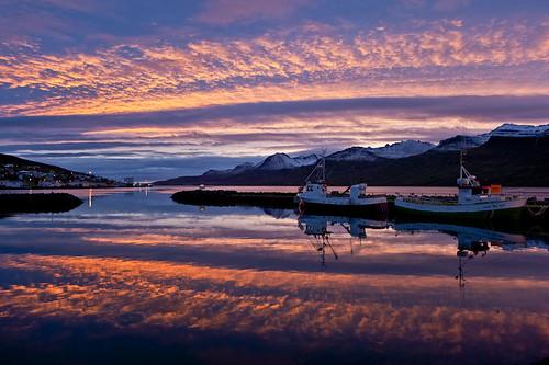 morning reflection sunrise boats iceland harbour ísland bátar speglun morgunn höfnin sólarupprás fáskrúðsfjörður faskrudsfjordur jónínaguðrúnóskarsdóttir