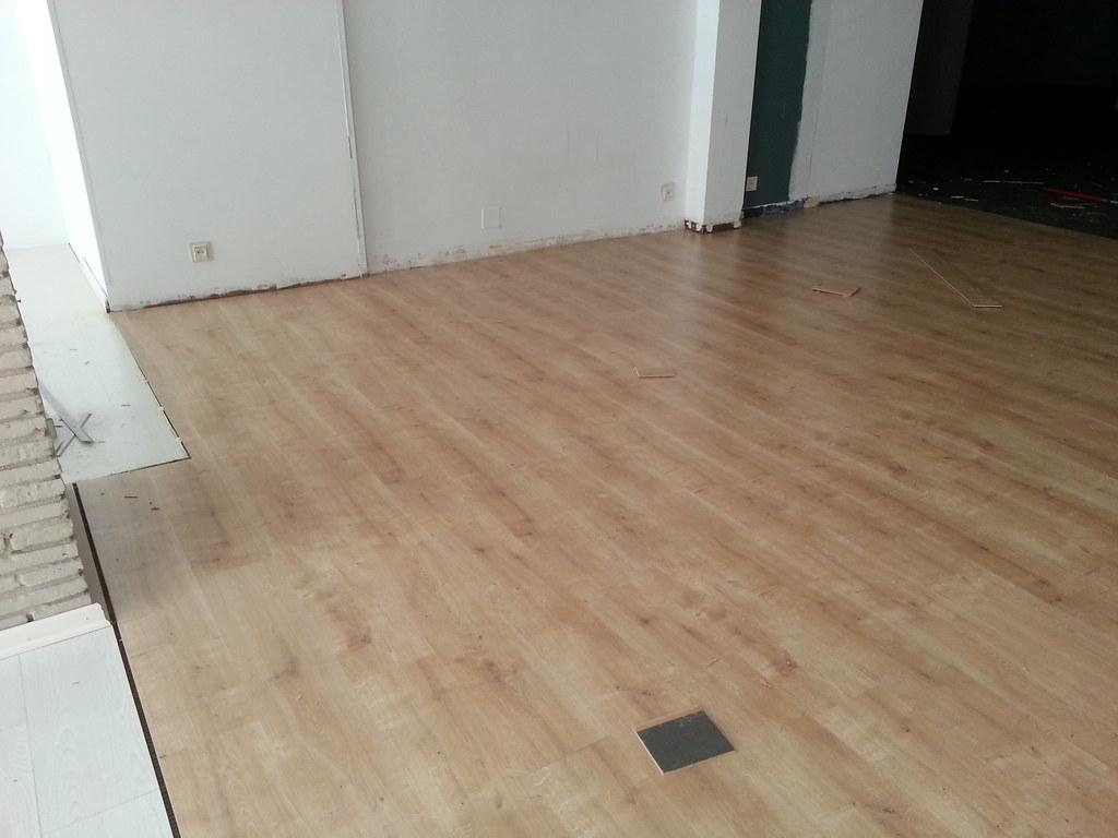 Suelos laminados verdemar roquetas construcciones - Presupuesto suelo laminado ...