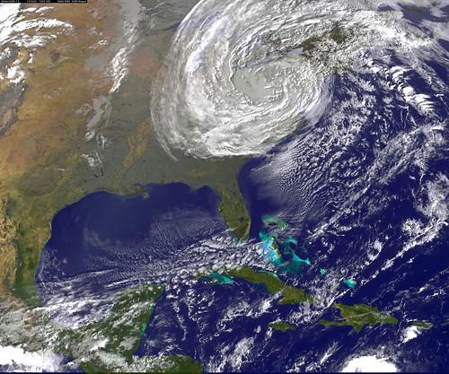 全球暖化和氣旋之間的關聯仍有待更多研究了解。圖為2012年席捲美國的颶風珊迪。(照片:dsleeter_2000)
