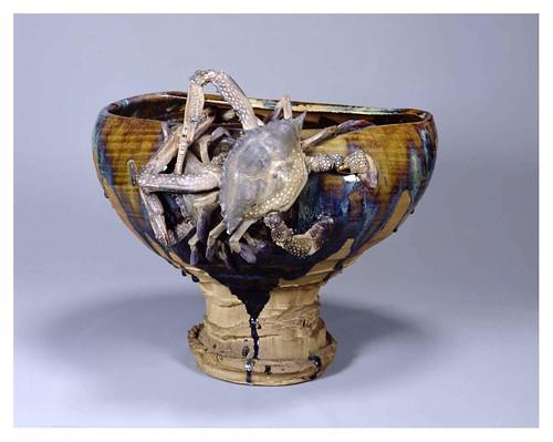 015-Olla con soporte en forma de cangrejo-Era Mejii-artista Miyagawa-Cortesía del Tokyo National Museum