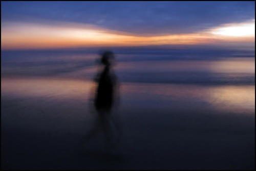 california sunset beach ngc pacificocean icm calrsbad intentionalcameramovement worldtrekker mywifeandiwalkingalongthebeachatsunset