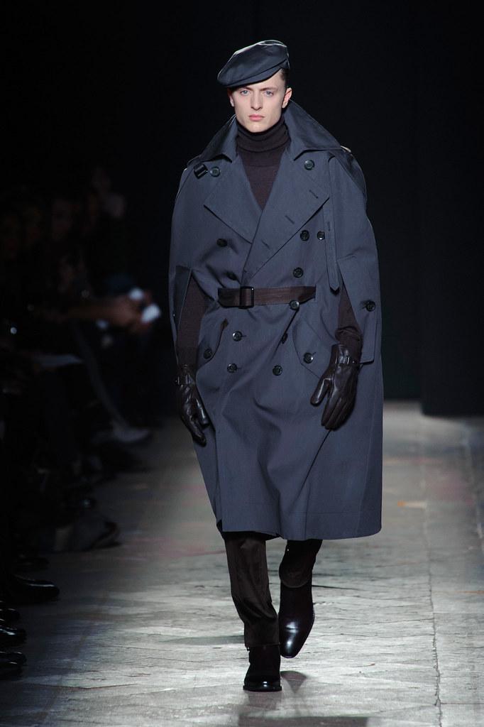 FW13 Milan Daks001_Max Rendell(fashionising.com)