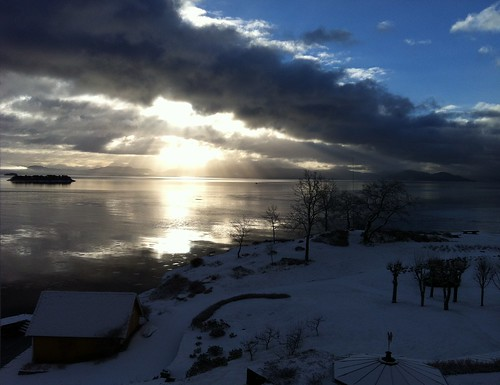 winter snow norway dawn norge eerie bergen morgen hordaland bjørnefjorden