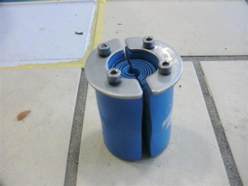 Waterdichte kabel doorvoer geplaatst door awdiving