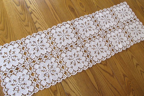 Crochet Patterns Table Runner : easy table crochet runner pattern free crochet pattern for table