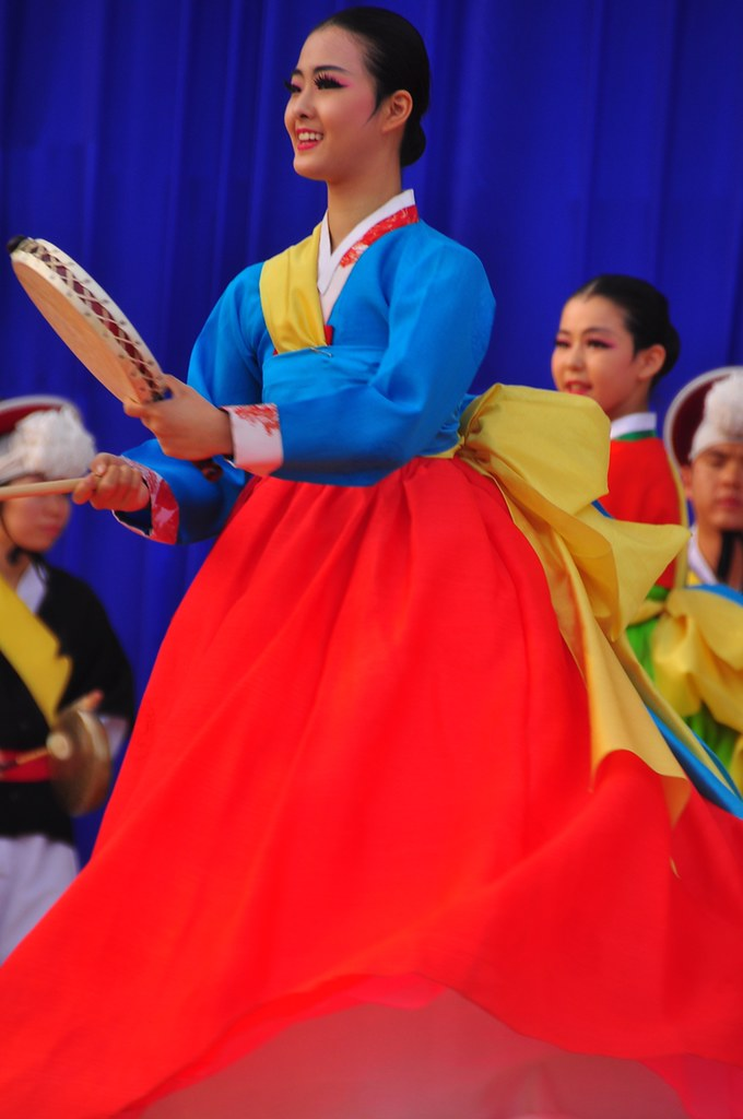 Korean Traditional Dancer -- Andong Mask Festival 2012