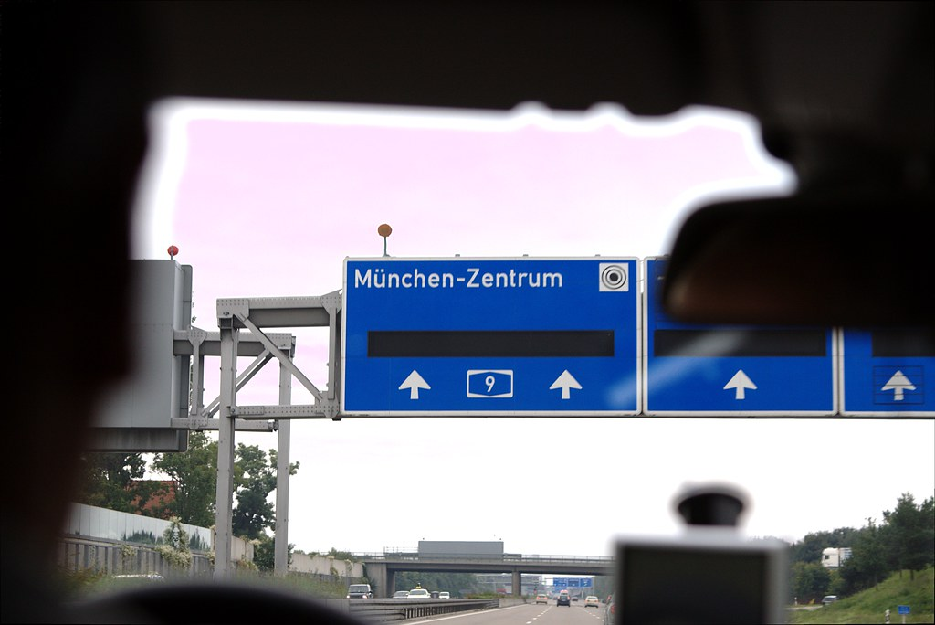 Munchen Highway Sign