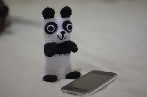 amigurumi #71 M Panda iPhone cosy 1