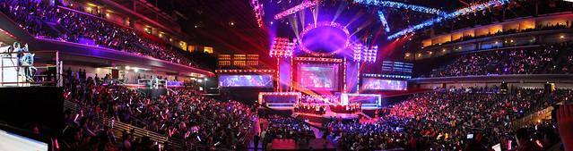 League of Legends Season 2 World Championship finals panorama