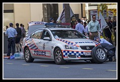Police car has flat tyre-1=