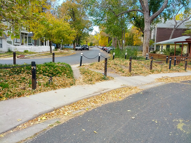 Bike/Ped Cut-Through in Goss-Grove Neighborhood by Zane Selvans on flickr
