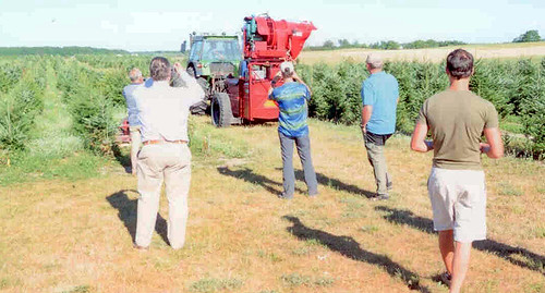 German Growers Visit - Checking Out Equipment